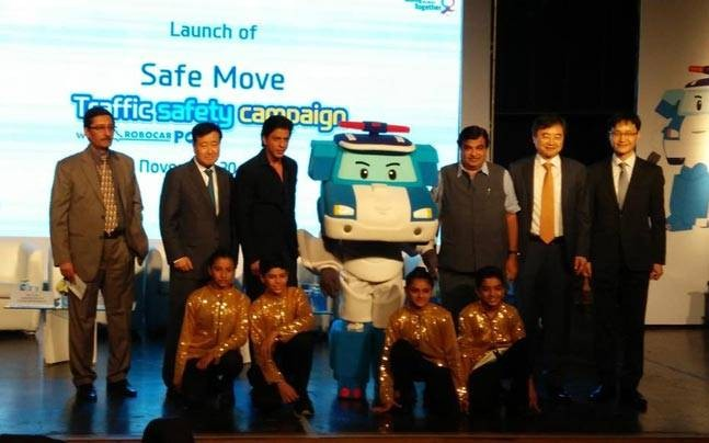 Shahrukh Khan,Shahrukh Khan launches traffic safety campaign,Safe Move - Traffic Safety Campaign,Traffic Safety Campaign,Safe Move,SRK,Hyundai Motor