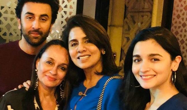 Ranbir Kapoor birthday picture with Alia Bhatt, their moms Neetu Kapoor and Soni Razdan
