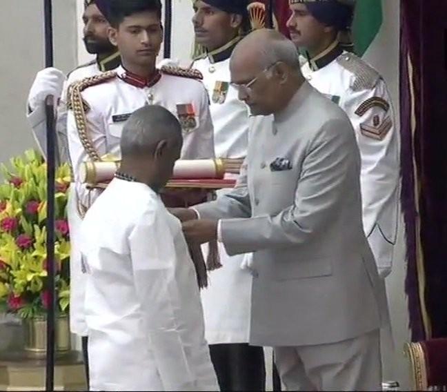 Ilaiyaraaja,Music maestro Ilaiyaraaja,Ilaiyaraaja honored with Padma Vibhushan,Padma Vibhushan,President Kovind,Kovind