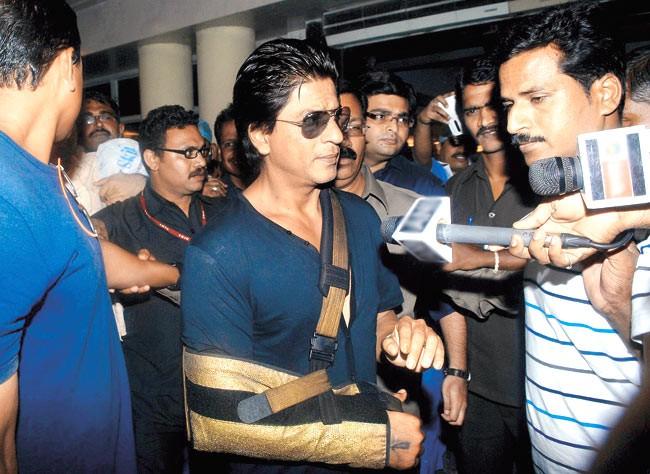 Shah Rukh Khan,actor Shah Rukh Khan,Shah Rukh Khan's injuries,Shah Rukh Khan's injured,shahrukh khan injured on set,shahrukh khan injured today,Shah Rukh Khan pics,Shah Rukh Khan images,Shah Rukh Khan stills