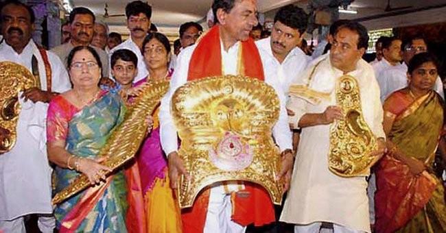 Telangana CM,Telangana CM K Chandrasekhar Rao,Chandrasekhar Rao,Chandrasekhar Rao Offers Rs 3.5 Crore Golden Crown,3.5 Crore Golden Crown,Golden Crown to Temple,Bhadrakali in Warangal,Warangal