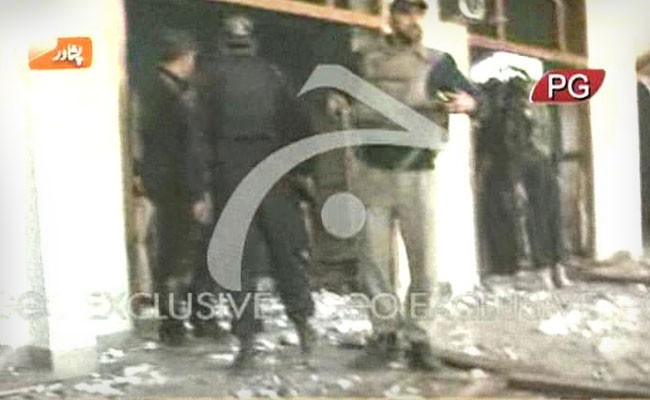 There has been reports of blasts and firing outside a Shia mosque in Peshawar, Pakistan
