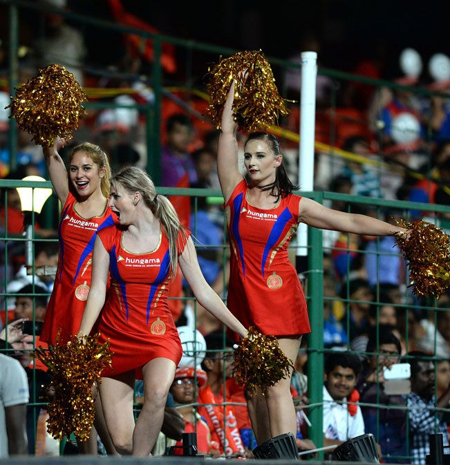 Royal Challengers Bangalore v/s Mumbai Indians,Royal Challengers Bangalore,Mumbai Indians,RCBvMI,ipl2015,ipl,cricket,20-20,Indian Premier League 2015,Indian Premier League
