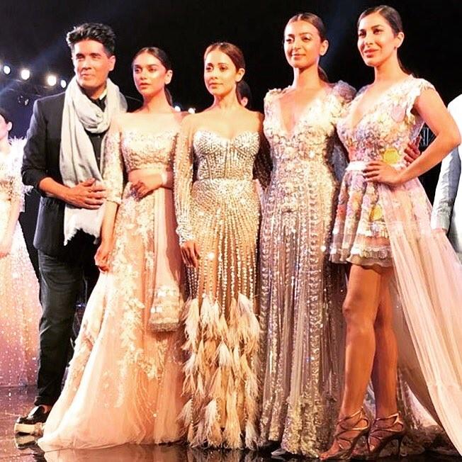 Radhika Apte,actress Radhika Apte,Radhika Apte and Manish Malhotra,Manish Malhotra,manish malhotra show,Radhika Apte stuns in Gown,Radhika Apte pics,Radhika Apte images