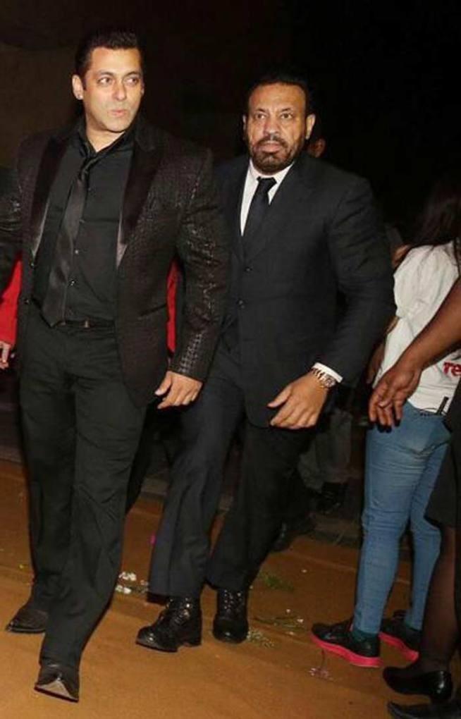 Salman Khan,Salman Khan at Chiranjeevi's 60th Birthday Celebration,Chiranjeevi's 60th Birthday Celebration,Chiranjeevi 60th Birthday Celebration,Chiranjeevi