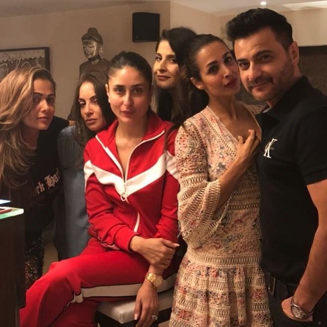 Kareena Kapoor Khan,Kareena Kapoor,Karan Johar,Malaika Arora,Amrita Arora,Maheep Kapoor,Sanjay Kapoor,Seema Khan,Bebo pouts with Karan Johar,Easter celebration