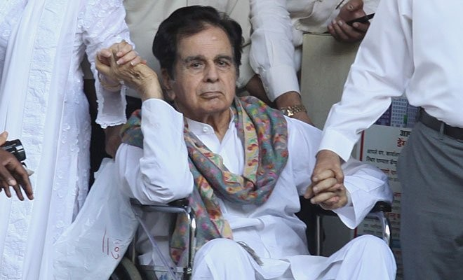 Dilip Kumar,Dilip Kumar in hospital,Dilip Kumar admitted in hospital,Dilip Kumar admitted in Lilavati Hospital,Lilavati Hospital