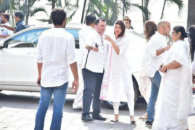 Jacqueline Fernandez,Akshaye Khanna,Jacky Bagnani,Farah Khan,Nimrat Kaur,Sridevi funeral,Sridevi funeral pics,Sridevi funeral images,celebs at Sridevi funeral