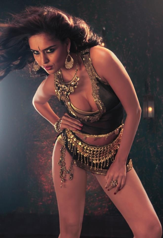 "Nathalia Kaur in ""Dan Dan Cheeni"" Item Song"