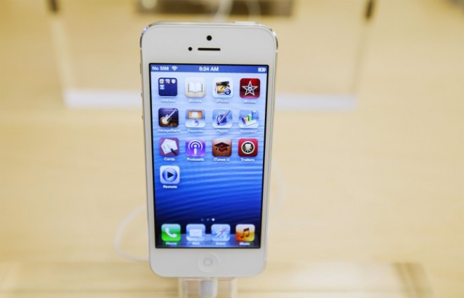 Apple iPhone 5 With No Contract Now Selling At Walmart On Straight Talk Wireless, Price Listed At $649