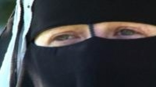 Voters in Swiss county ban full-face Muslim veil
