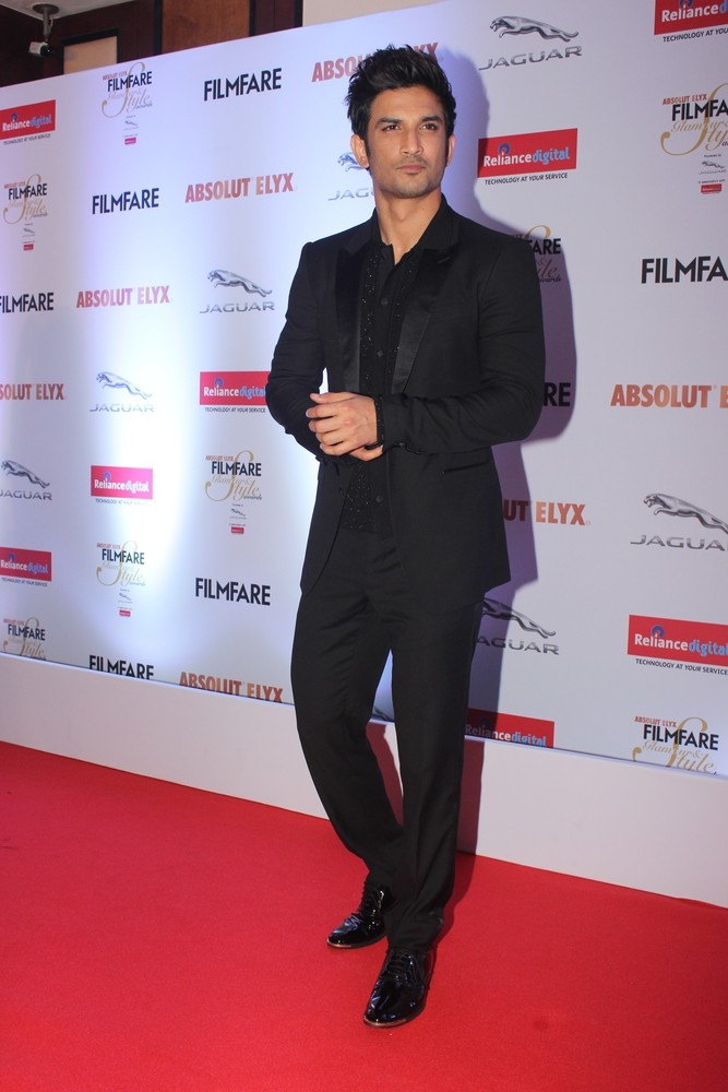 Sushant Singh Rajput,Sushant Singh Rajput bags Youth Icon title,Sushant Singh Rajput at Filmfare Glamour and Style Awards 2016,Filmfare Glamour and Style Awards 2016,Filmfare Glamour and Style Awards,Celebs at Filmfare Glamour and Style Awards,Filmfare Gl