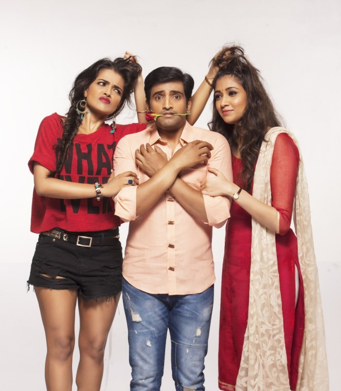 Innimey Ippadithaan,tamil movie Innimey Ippadithaan,Santhanam,Ashna Zaveri,Akila Kishore,Innimey Ippadithaan Movie stills,Innimey Ippadithaan Movie pics,Innimey Ippadithaan Movie images,Innimey Ippadithaan Movie photos,Innimey Ippadithaan Movie Latest Sti