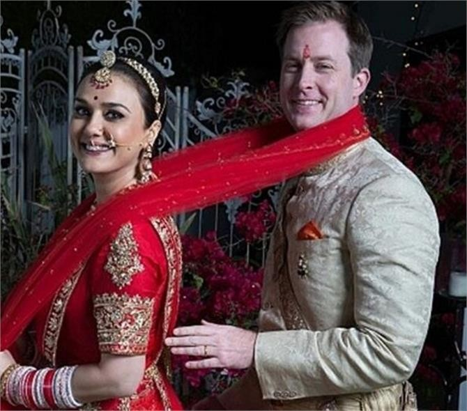 Preity Zinta,Preity Zinta Wedding pictures,Preity Zinta Wedding pics,Preity Zinta Wedding images,Preity Zinta Wedding stills,Gene Goodenough wedding pics,Gene Goodenough wedding images,Gene Goodenough wedding photos