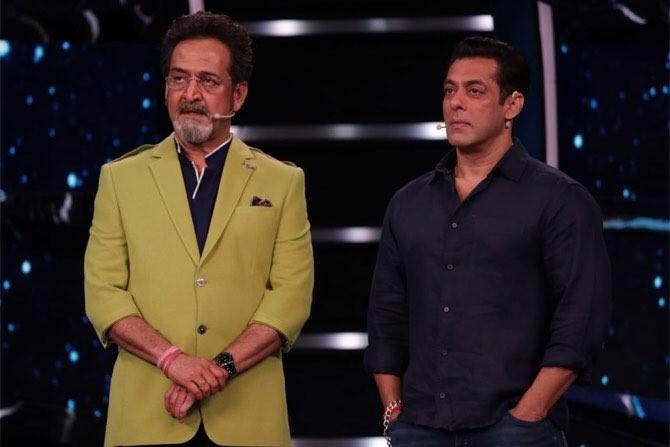 Mahesh Manjrekar, Salman Khan