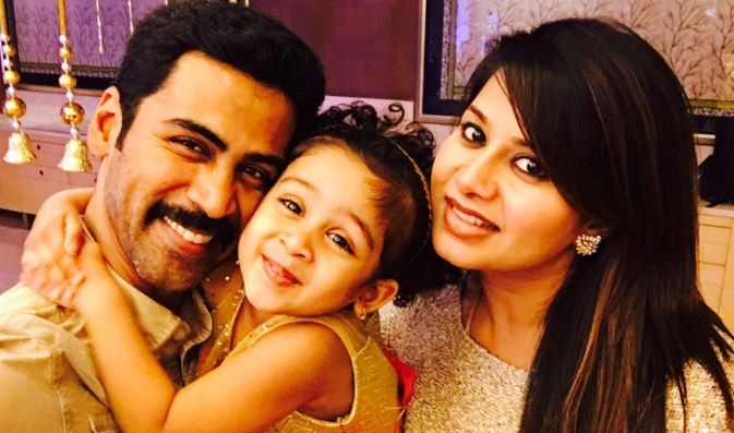 Sangeetha with her husband Krish and daughter