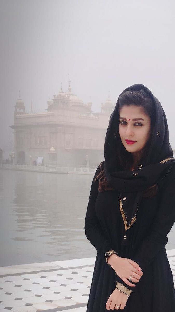 Nayanthara,Nayanthara visits Golden Temple,Nayanthara at Golden Temple,Golden Temple,actress Nayanthara,Nayanthara new pics,Nayanthara new images,Nayanthara new photos
