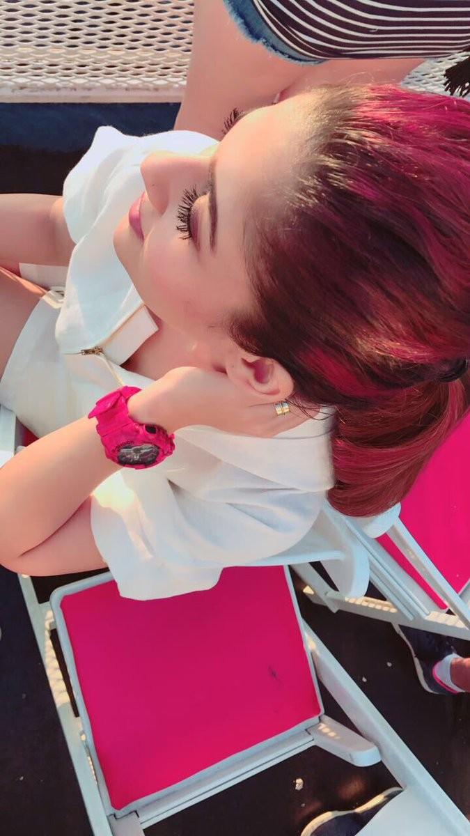 Nayanthara,Nayanthara pink hair,Nayanthara flaunts her pink neon hair,Nayanthara pink neon hair,Nayanthara pink hair pics,Nayanthara pink hair images,Nayanthara pink hair stills,Nayanthara pink hair pictures,Nayanthara pink hair photos