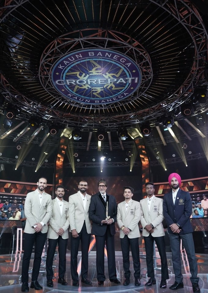 Amitabh Bachchan,actor Amitabh Bachchan,Amitabh Bachchan KBC,Kaun Banega Crorepati,Indian Hockey team on Kaun Banega Crorepati,Hockey team on Kaun Banega Crorepati,PR Sreejesh,Arjuna Awardee Manpreet Singh