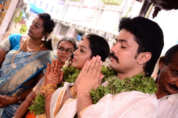 Harish And Doctor Abinaya Wedding Pics,Harish And Abinaya Wedding Pics,actor Harish Wedding Pics,Harish Wedding images,Harish marriage,Harish marriage pics,Abinaya Wedding Pics,Abinaya Wedding images,Abinaya marriage pics,Abinaya marriage images,Harish an