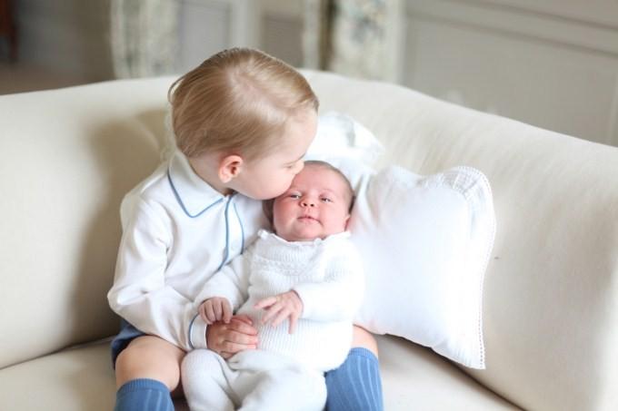 Prince George and Princess Charlotte,Prince George,Princess Charlotte,Anmer Hall,Royal Siblings,Royal family,glimpse of the royal siblings