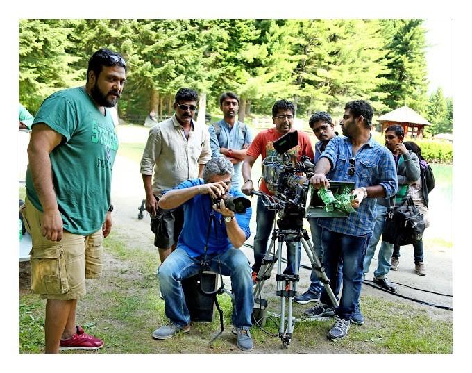 Ajith Kumar turned Photographers for Shruti Haasan,Images of Shruti hassan clicked by Ajith Kumar,Shruti hassan pics clicked by Ajith Kumar,Ajith Kumar photography,Ajith Kumar,actor Ajith Kumar,thala Ajith Kumar,thala Ajith,Shruti hassan,actress Shruti ha