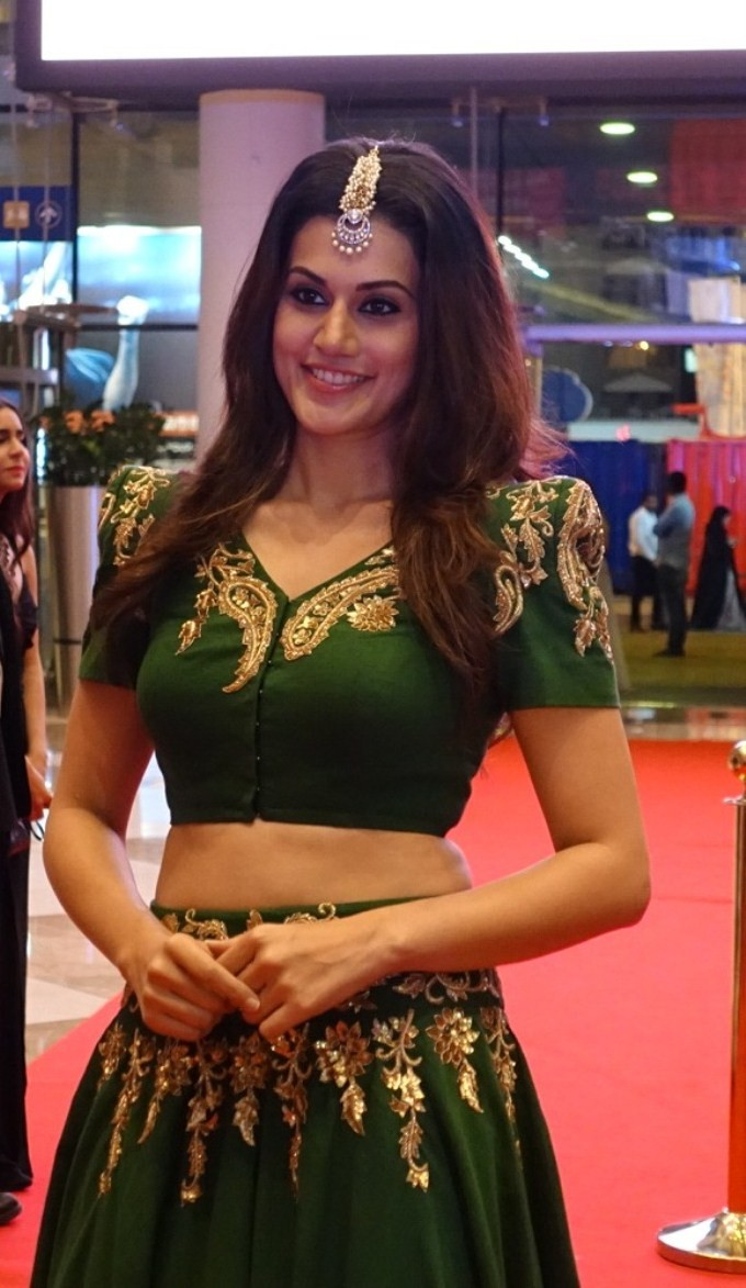 Taapsee Pannu,actress Taapsee Pannu,Taapsee Pannu at SIIMA Awards 2015,SIIMA Awards 2015,SIIMA Awards,siima,Taapsee Pannu latest pics,Taapsee Pannu latest images,Taapsee Pannu latest photos,Taapsee Pannu latest stills,Taapsee Pannu latest pictures