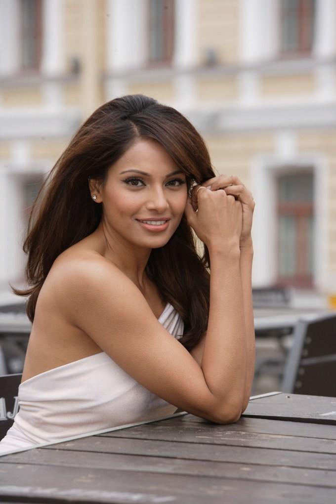 Bipasha Basu,actress Bipasha Basu,Bipasha Basu latetst pics,bollywood actress Bipasha Basu,Bipasha Basu pics,Bipasha Basu images,actress Bipasha Basu pics