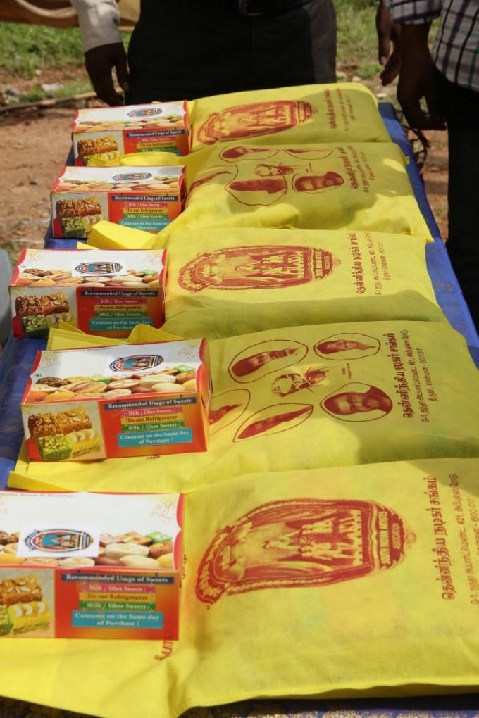 Nadigar Sangam,Nadigar Sangam Diwali gift,Nassar,Karthi,Ponvannan,Nadigar Sangam Diwali Gift Distribution,Vishal