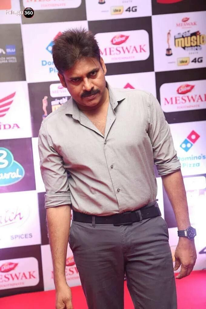 Mirchi Music Awards 2016,Mirchi Music Awards,Pawan Kalyan,Vikram,Pawan Kalyan at Mirchi Music Awards,Powerstar Pawan Kalyan,Pawan Kalyan pics,Pawan Kalyan images,Pawan Kalyan photos,Mirchi Music Awards pics,Mirchi Music Awards images,Mirchi Music Awards p