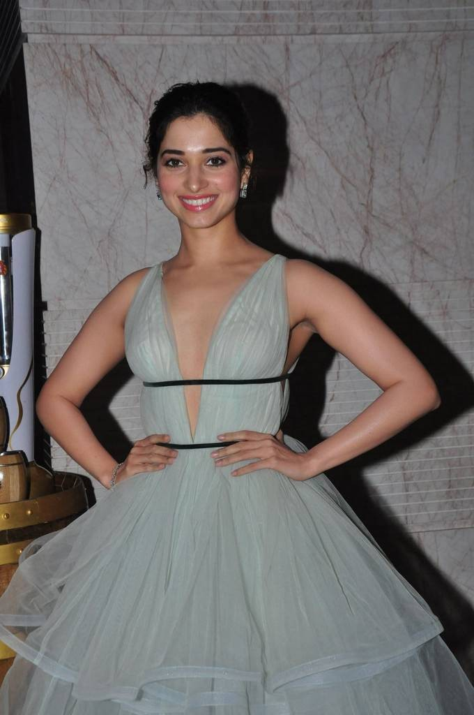 Tamannaah Bhatia,Tamannaah,Tamannaah Bhatia at South Scope Lifestyle Awards 2016,Tamannaah at South Scope Lifestyle Awards 2016,Tamannaah at South Scope Lifestyle Awards,Tamannaah hot pics,Tamannaah hot images,Tamannaah hot photos,Tamannaah hot stills,Tam