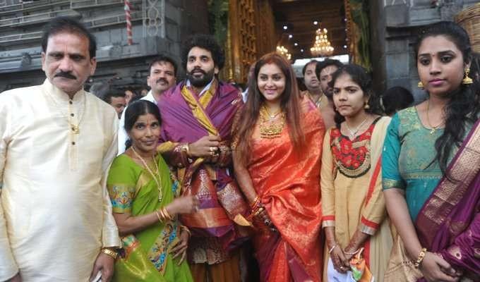 Namitha,Namitha and Veerandra,Namitha at Tirumala,Namitha at tirupati,Namitha offers prayer at tirupati,Veerandra