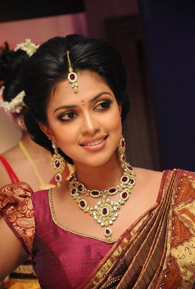 Akshaya Tritiya,Akshaya Tritiya Special,Indian Actress Flaunting Jewellery,celebs Flaunting Jewellery,Celebs Wearing Gold Ornament,Celebs Wearing Gold,Celebs Wearing Gold Ornament jewllery,Celebs wearing Jewellery,actress wearing Jewellery
