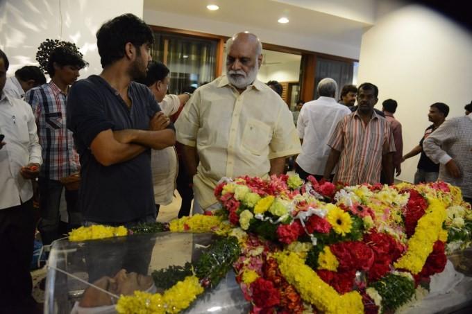 DNR, Rajamouli, Allu Aravind, Bandla Ganesh, Dil Raju and Other Telugu Filmmakers Pay Tribute to D Rama Naidu