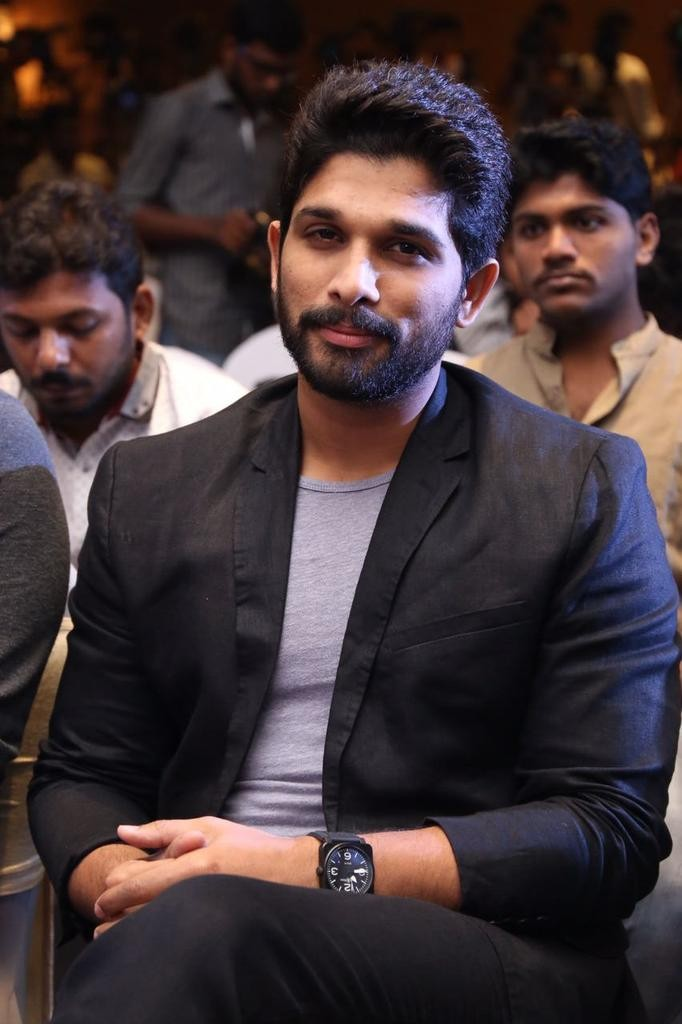 Allu Arjun,Allu Sirish,Lingusamy,Allu Arjun in Chennai,Allu Arjun and Lingusamy,Studio Green Production No 12 Launch,Allu Arjun in Tamil movie,Allu Arjun debut in tamil,Allu Arjun tamil debut