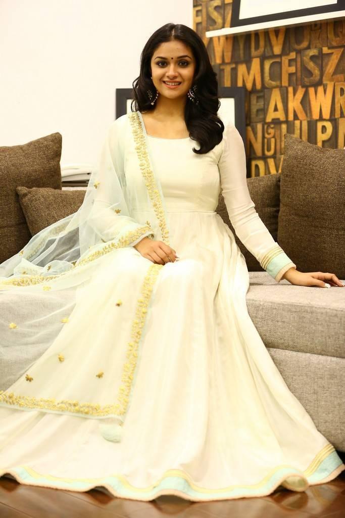 Keerthy Suresh,actress Keerthy Suresh,Keerthy Suresh in white dress,Suriya,Thaana Serndha Koottam,Thaana Serndha Koottam promotion,Thaana Serndha Koottam movie promotion
