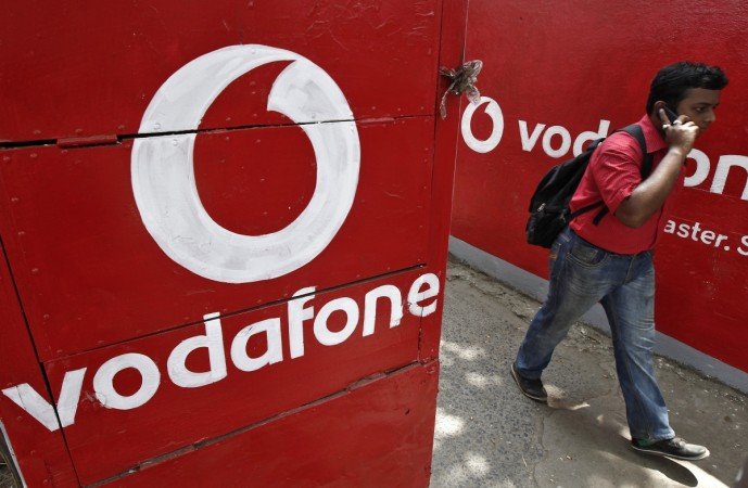 Vodafone India, Super Hour, free voice and data