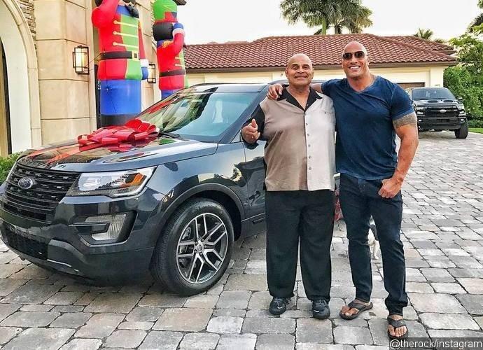 Dwayne Johnson,actor Dwayne Johnson,The Rock,Actor The Rock,Rocky Johnson,Dwayne Johnson surprises his father with new car,Subaru