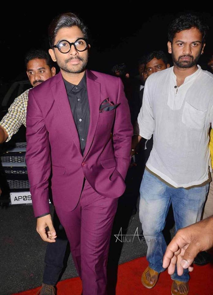 Allu Arjun,Allu Arjun photos,Allu Arjun at music awards,mirchi music awards