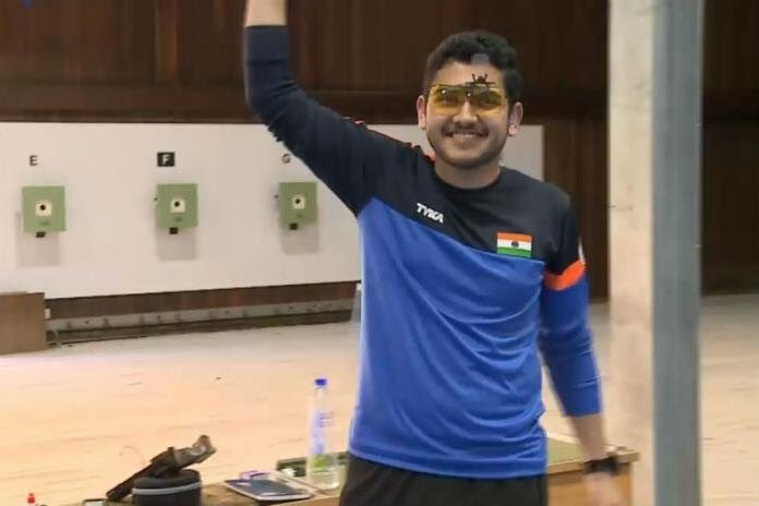 Shooter Anish,Indian shooter Anish,Anish wins gold,Anish wins gold at CWG 2018,CWG 2018,CWG,Commonwealth Games,Commonwealth Games 2018