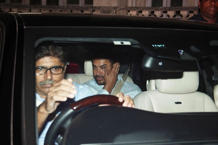 Aamir Khan Snapped in Bandra,Aamir Khan,actor Aamir Khan,Aamir Khan pics,Aamir Khan images,Aamir Khan latest photos,Aamir Khan stills,Aamir Khan pictures,Aamir Khan latest pics