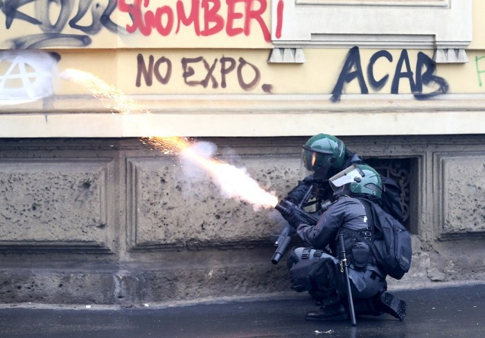 Anti-Expo Protests in Milan,Anti-Expo Protests,Anti-Expo protests turn violent in Milan,MILAN riot,Italy,Protests in Milan,Protests