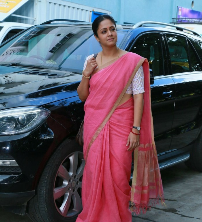 Jyothika stills from 36 Vayadhinile Movie,Jyothika in 36 Vayadhinile Movie,Jyothika,actress Jyothika,Jyothika latest pics,jyothika 36 vayadhinile,Jyothika pics,Jyothika images,south indian actress