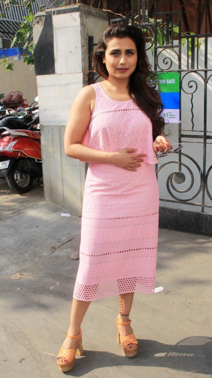 Rani Mukerji,actress Rani Mukerji,Rani Mukerji pics,Rani Mukerji images,Rani Mukerji photos,Rani Mukerji stills,Rani Mukerji hot pics,hot Rani Mukerji,Rani Mukerji Snapped at Famous Studio Mahalaxmi,bollywood actress Rani Mukerji