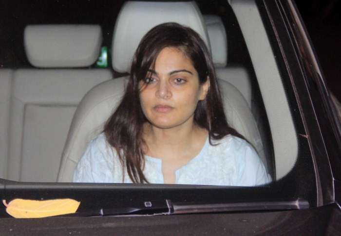 Celebs Visit Salman Khan at Galaxy Appartment,Salman khan at galaxy apartment,Salman hit-and-run case,Galaxy Apartments,Salman Khan,actor Salman Khan,Salman khan hit and run case,Salman Khan Galaxy Apartments,Salman Khan returned home,Salman Khan convicte