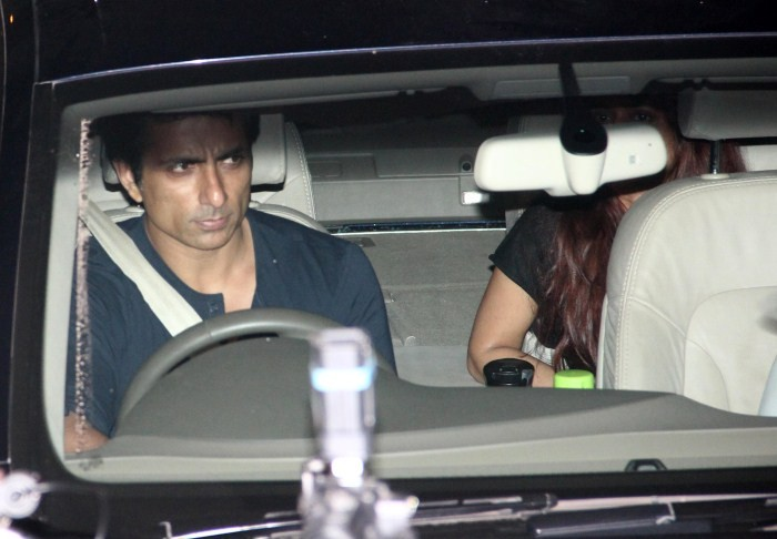 Celebs Visit Salman Khan at Galaxy Appartment