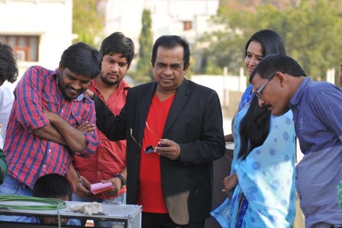 Dongata,telugu movie dongata,Adivi Sesh,Lakshmi Manchu,Brahmanandam,Dongata movie stills,Dongata movie pics,telugu movie pics