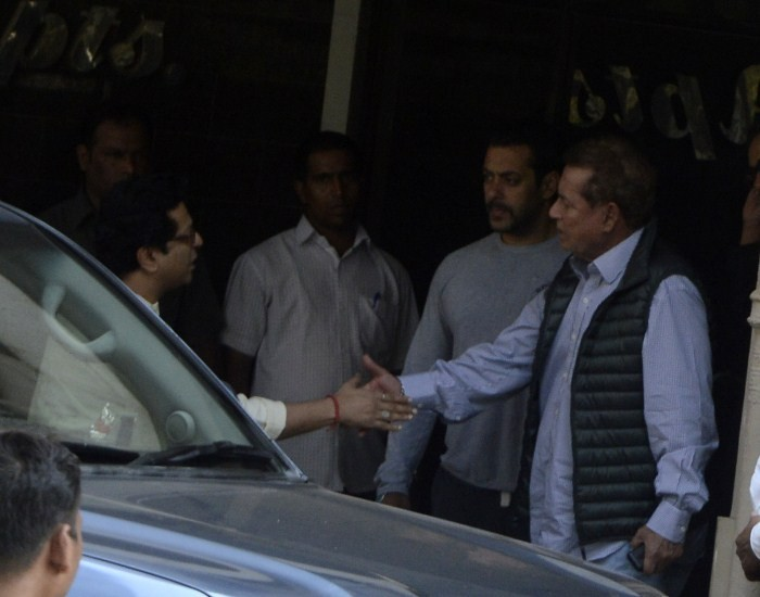Salman Khan Convicted,Salman Khan,actor Salman Khan Convicted,actor Salman Khan,Celebs Visit Salman Khan After High Court Suspended The Case,Celebs Visit Salman Khan,bollywood celebs