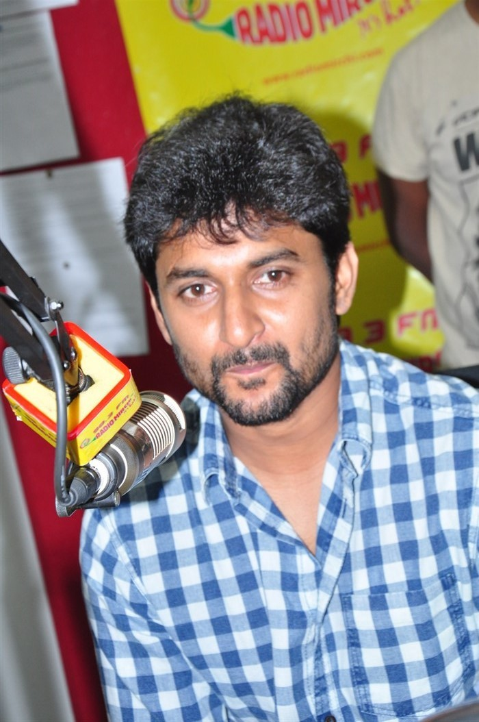 Nani, Anu Emmanuel promotes Majnu movie at Radio Mirchi.