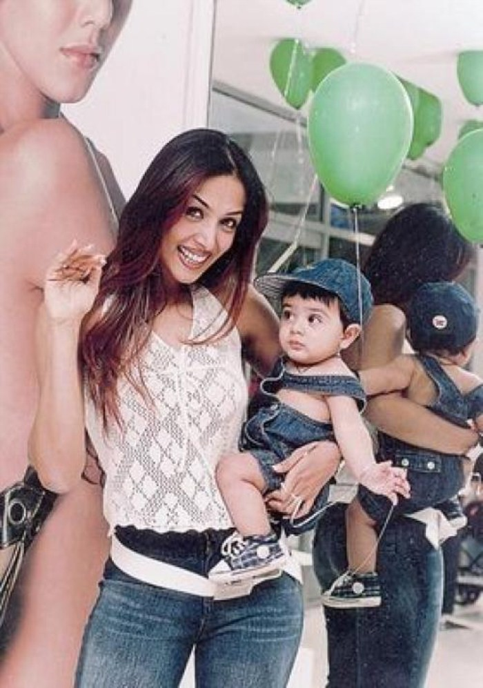 Hottest Bollywood Moms,hot Bollywood Moms,Bollywood Moms,bollywood mothers,hot actress in bollywood,hot actress,Glamorous actress,Glamorous Bollywood Moms